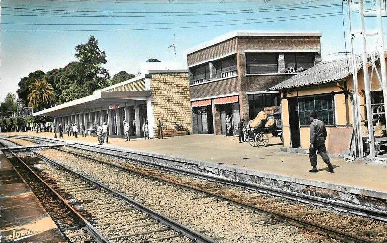 orléansville - la gare